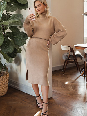 Donnaromina x NA-KD Ribbed Knit Midi Skirt beige