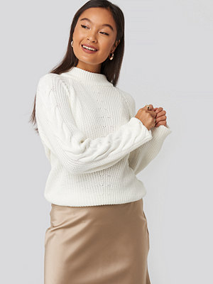 Statement by NA-KD Influencers Camilla Frederikke Sleeve Detail Knitted Sweater vit