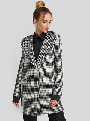 Trendyol Black Goose Leg Patterned Hooded Coat svart