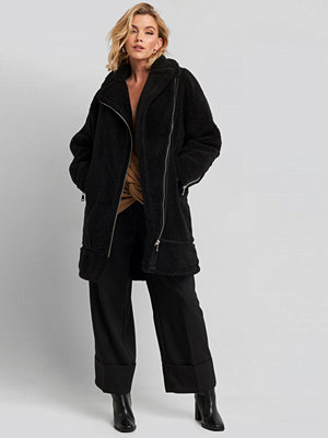 NA-KD Biker Long Teddy Coat svart