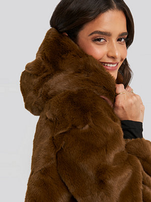 NA-KD Hooded Faux Fur Jacket brun