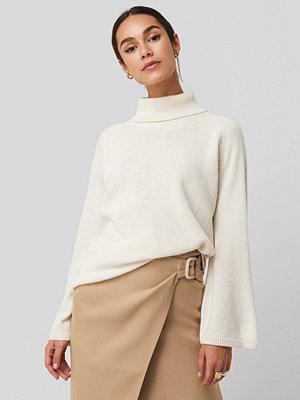 Tröjor - NA-KD Trend High Neck Wide Sleeve Sweater vit
