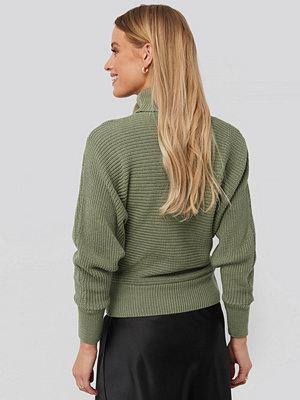 Tröjor - NA-KD Folded Knitted Sweater grön