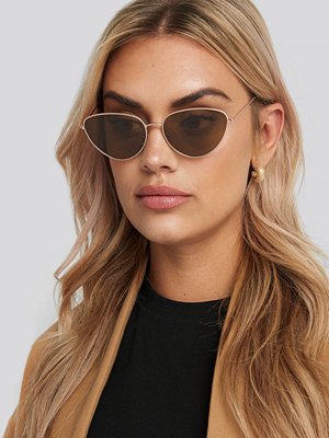 NA-KD Accessories Drop Shape Metal Frame Sunglasses brun guld