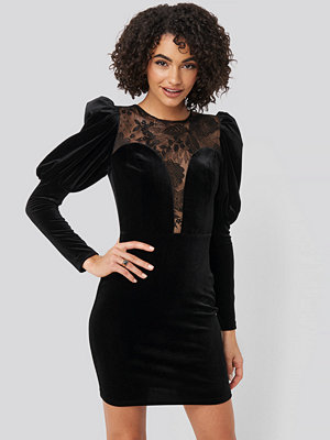 Trendyol Puff Sleeve Detailed Velvet Dress svart