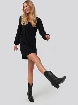 Mango Velduan Dress svart