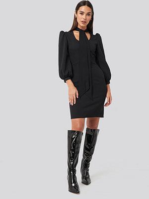 Trendyol Tied Mini Dress svart