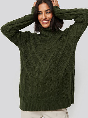 NA-KD Cable Knitted High Neck Sweater grön