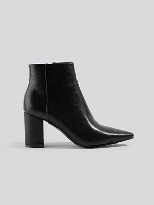 NA-KD Shoes Pointy Toe Ankle Boots svart