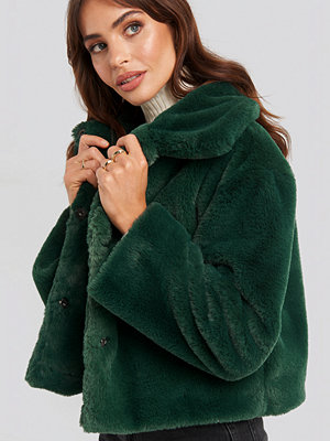 Rut & Circle Elin Faux Fur Short Jacket grön