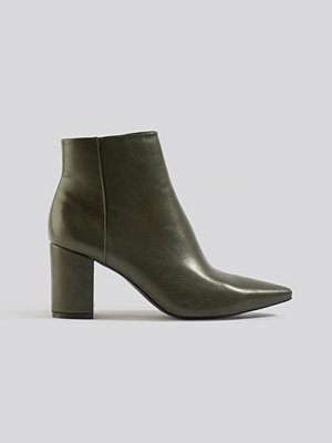 NA-KD Shoes Pointy Toe Ankle Boots grön