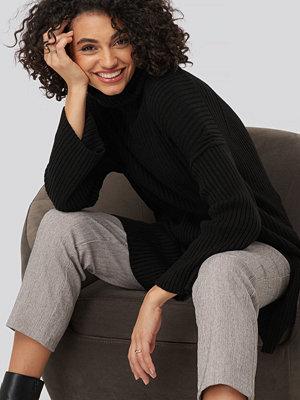 Trendyol Front Slit Turtleneck Knitted Tunic svart