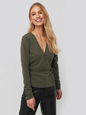 NA-KD Wrap Over Long Sleeve Top grön