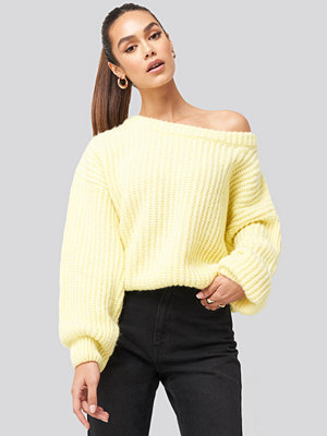 Tröjor - Hannalicious x NA-KD Chunky Knitted Off Shoulder Sweater gul