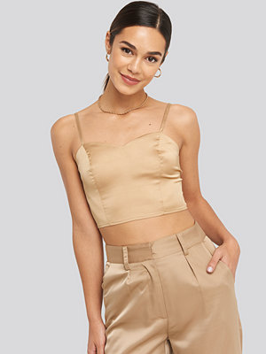 NA-KD Party Bust Detail Cropped Top beige