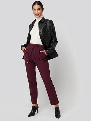 NA-KD vinröda byxor Drawstring Front Pleat Pants burgundy