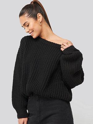 Tröjor - Hannalicious x NA-KD Chunky Knitted Off Shoulder Sweater svart