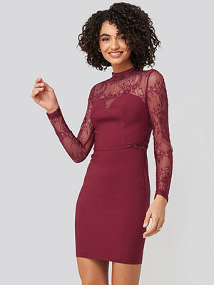 Trendyol Lace Detailed Mini Dress röd