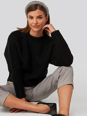 NA-KD Trend Heavy Knitted Wide Rib Sweater svart