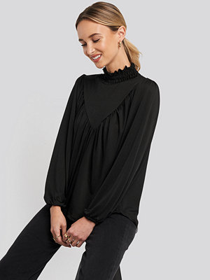 Trendyol Guipure Knitted Blouse svart