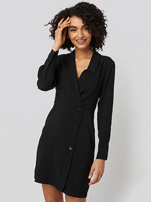 Trendyol Double Breasted Collar Mini Dress svart