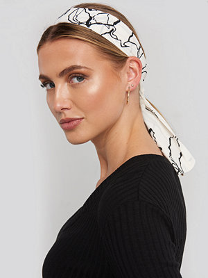 NA-KD Accessories Ink Print Slim Hair Scarf (065) vit