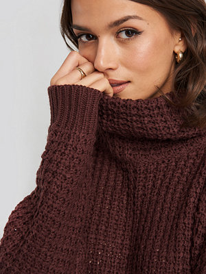 Tröjor - NA-KD High Neck Pineapple Knitted Sweater röd