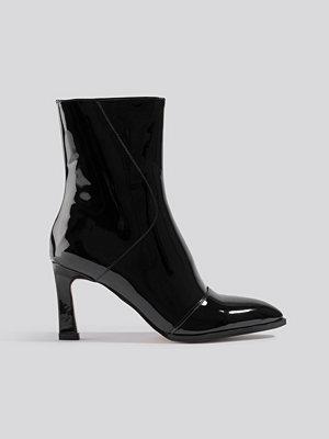 Pumps & klackskor - NA-KD Shoes Glossy Patent Low Boots svart