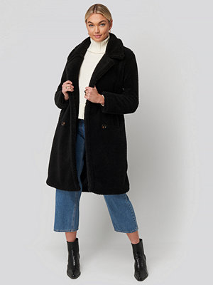 NA-KD Long Teddy Coat svart