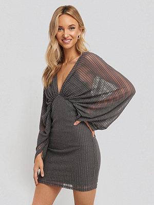 NA-KD Party Dolman Glittery Mini Dress grå