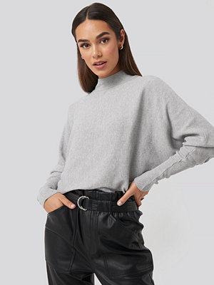 Trendyol Vertical Neck Bat Sleeve Sweater grå