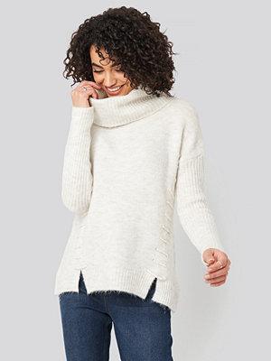 Trendyol Side Tied Knitted Sweater vit