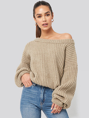 Tröjor - Hannalicious x NA-KD Chunky Knitted Off Shoulder Sweater beige