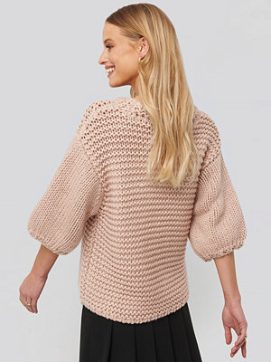 NA-KD Trend Detail Neck Short Sleeve Sweater rosa