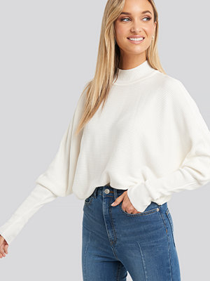Trendyol Vertical Neck Bat Sleeve Sweater vit