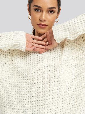 Tröjor - NA-KD Round Neck Pineapple Knitted Sweater vit
