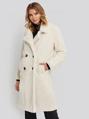 NA-KD Long Teddy Coat vit
