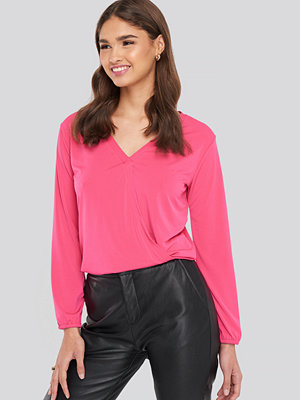 NA-KD Long Sleeve Overlap Blouse rosa