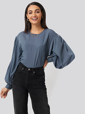 NA-KD Big Sleeve Blouse blå