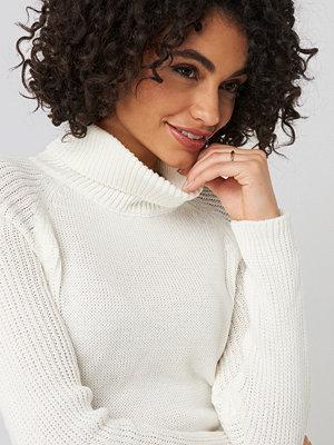 Trendyol Basic Turtleneck Knitted Sweater vit
