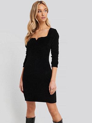 Trendyol Velvet Knitted Dress svart