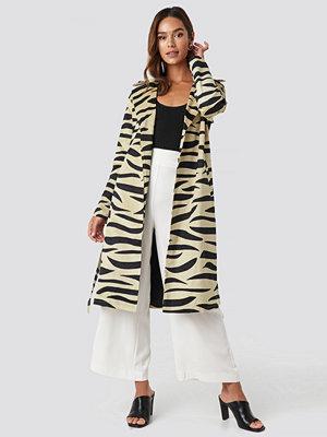 NA-KD Trend Zebra Printed Coat beige