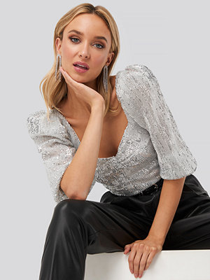 NA-KD Party Puff Shoulder Sequin Top silver