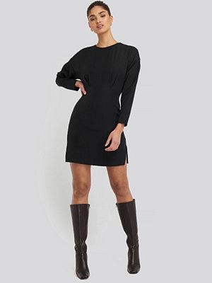 NA-KD Waist Dart Detail Mini Dress svart