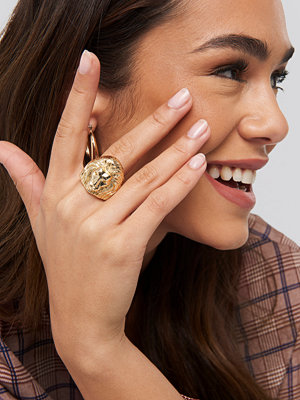 NA-KD Accessories smycke Chunky Lion Head Ring guld