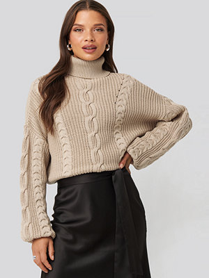 Nicci Hernestig x NA-KD Drop Shoulder Knit beige