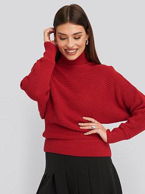 NA-KD Folded Knitted Sweater röd