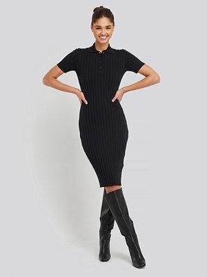 NA-KD Rib Knitted Midi Dress svart