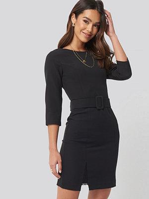 Trendyol Belt Lace Detail Mini Dress svart