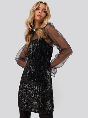 NA-KD Party Spaghetti Strap Sequin Dress svart